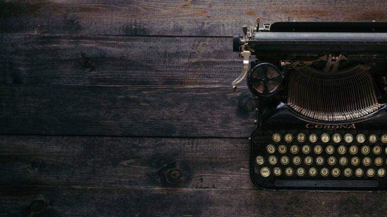 Jak tworzyć treści na stronę firmową, które przyciągną wartościowy ruch?